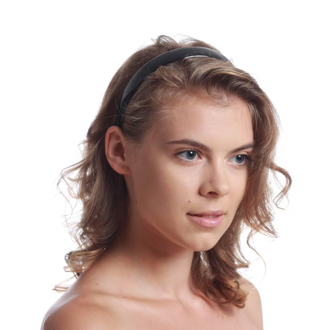 model with headband 1