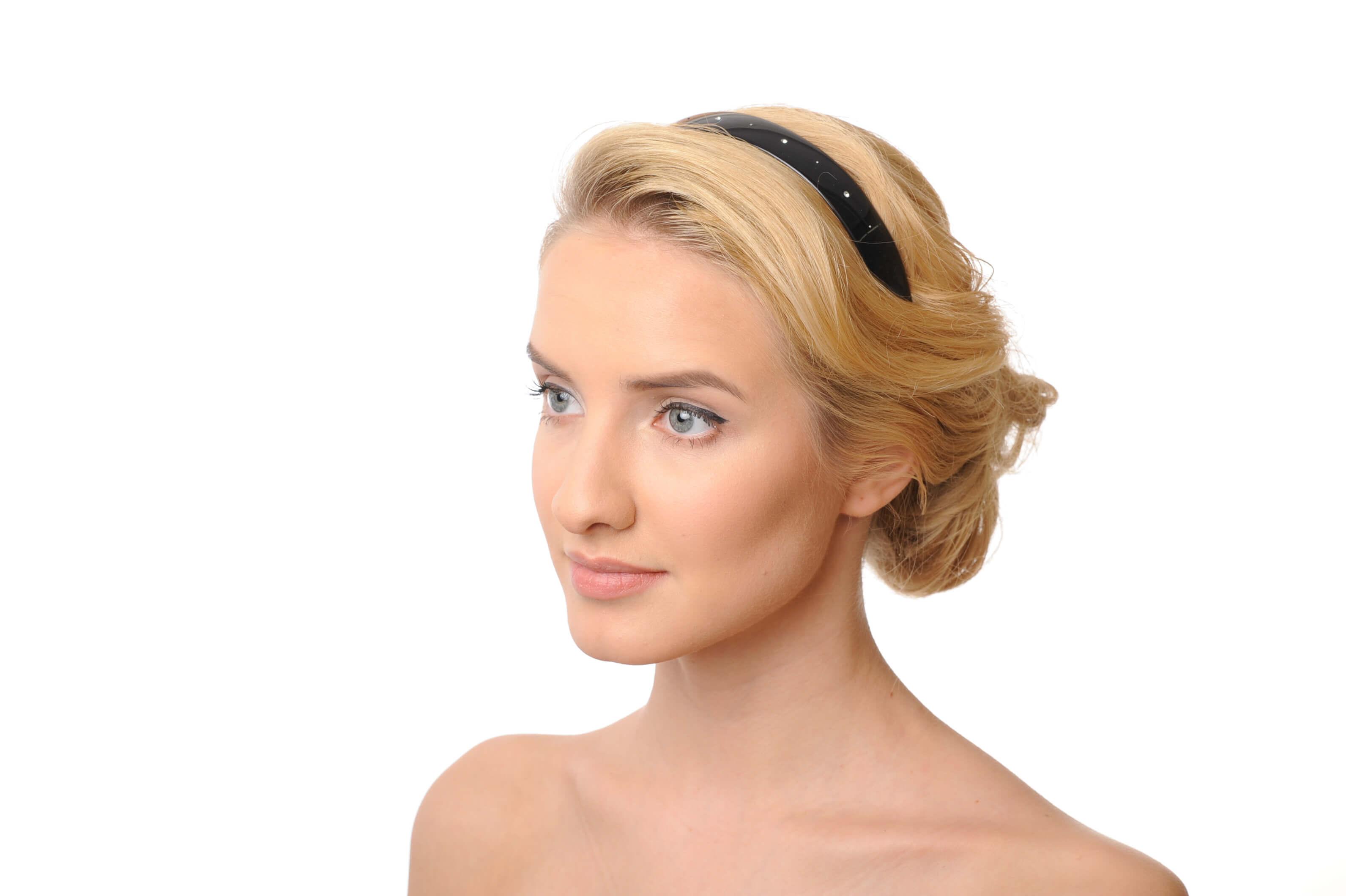 model with headband 2