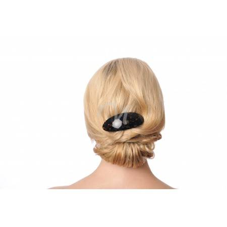 hair barrette wearing model